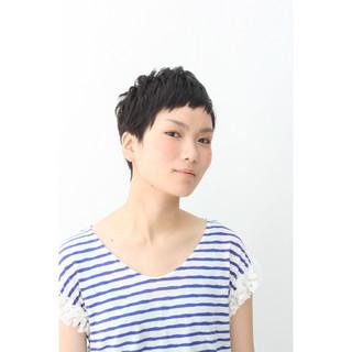 暗髪 ショート ショートバング ストリート ヘアスタイルや髪型の写真・画像