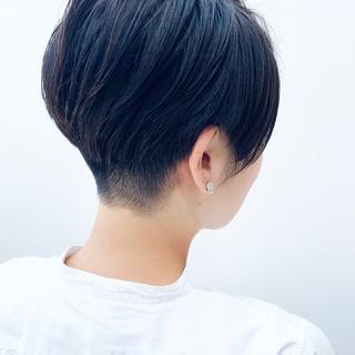 暗髪 刈り上げショート 刈り上げ女子 ショート ヘアスタイルや髪型の写真・画像