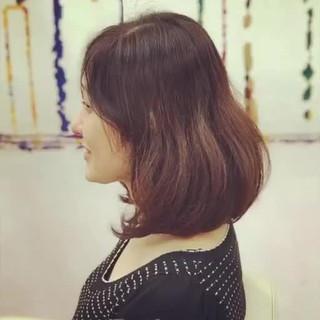 ショートボブ モード ベリーショート 切りっぱなしボブ ヘアスタイルや髪型の写真・画像