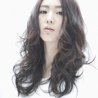 黒髪 ロング ナチュラル 暗髪 ヘアスタイルや髪型の写真・画像