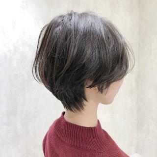 ベリーショート エレガント ショート 切りっぱなしボブ ヘアスタイルや髪型の写真・画像