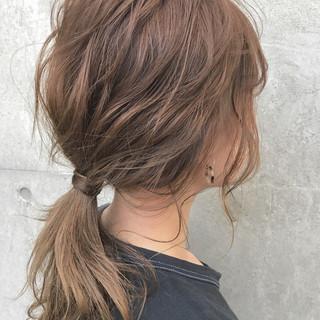 簡単ヘアアレンジ ヘアアレンジ ミディアム 波ウェーブ ヘアスタイルや髪型の写真・画像