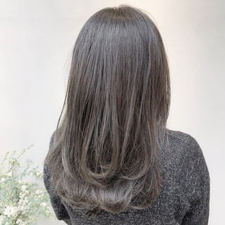 外国人風カラー ブルージュ 透明感カラー グレージュ ヘアスタイルや髪型の写真・画像 ヘアスタイルや髪型の写真・画像