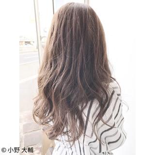 アッシュグレージュ ロング ナチュラル 外国人風カラー ヘアスタイルや髪型の写真・画像