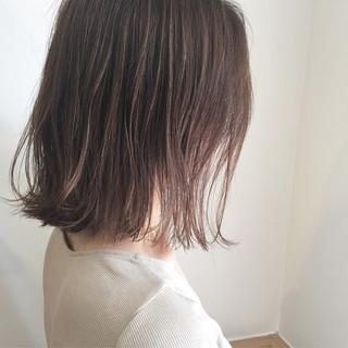 ナチュラル 切りっぱなし 外ハネ デート ヘアスタイルや髪型の写真・画像 ヘアスタイルや髪型の写真・画像