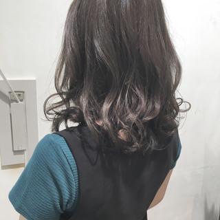 リラックス 透明感 セミロング デート ヘアスタイルや髪型の写真・画像