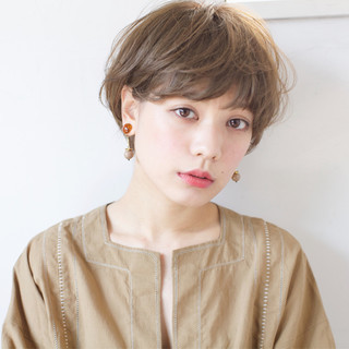 ショート アッシュ 外国人風 エレガント ヘアスタイルや髪型の写真・画像