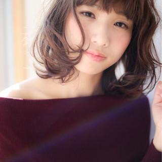 ゆるふわ 冬 色気 フェミニン ヘアスタイルや髪型の写真・画像