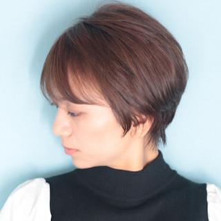 ショートヘア ベリーショート オフィス ショート ヘアスタイルや髪型の写真・画像
