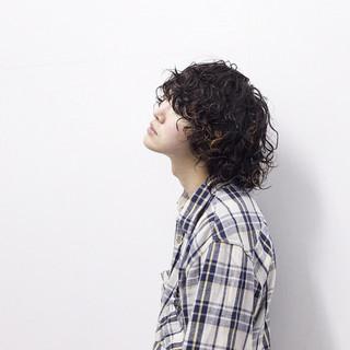 メンズ ハイライト ビジュアル系 ミディアム ヘアスタイルや髪型の写真・画像