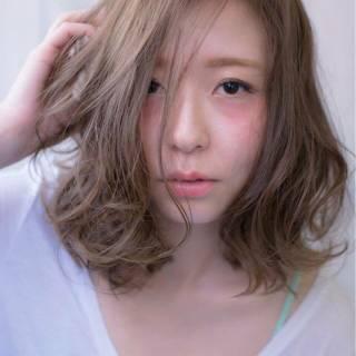 モテ髪 ミディアム 愛され ブルーアッシュ ヘアスタイルや髪型の写真・画像