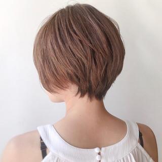 美シルエット ヌーディベージュ 大人かわいい 抜け感 ヘアスタイルや髪型の写真・画像