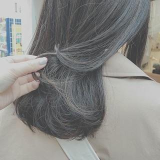 デート ミディアム アンニュイ ゆるふわ ヘアスタイルや髪型の写真・画像