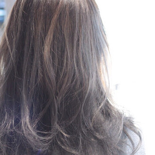 ロング 外国人風カラー グレージュ ストリート ヘアスタイルや髪型の写真・画像 ヘアスタイルや髪型の写真・画像