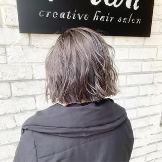外国人風カラー ウェットヘア ダブルカラー グレージュ ヘアスタイルや髪型の写真・画像