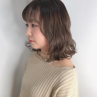 外国人風カラー ロブ ナチュラル ミディアム ヘアスタイルや髪型の写真・画像