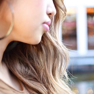 外国人風 上品 ハイライト グラデーションカラー ヘアスタイルや髪型の写真・画像