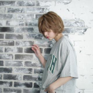 外国人風 ストリート ショートボブ ニュアンス ヘアスタイルや髪型の写真・画像 ヘアスタイルや髪型の写真・画像