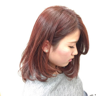 大人女子 ナチュラル レッド ピンク ヘアスタイルや髪型の写真・画像