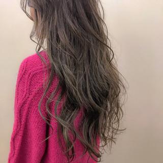 大人かわいい ロング ナチュラル ハイライト ヘアスタイルや髪型の写真・画像