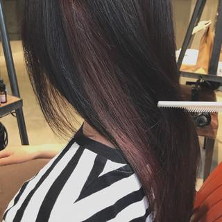 透明感カラー インナーカラーレッド セミロング ナチュラル ヘアスタイルや髪型の写真・画像