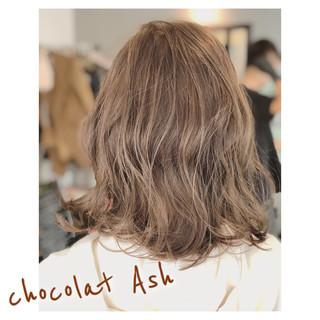 アッシュ ブラウン 冬 外ハネ ヘアスタイルや髪型の写真・画像