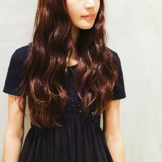 外国人風 ガーリー 暗髪 ゆるふわ ヘアスタイルや髪型の写真・画像
