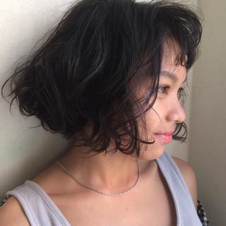 アンニュイ くせ毛風 ウェーブ ラフ ヘアスタイルや髪型の写真・画像