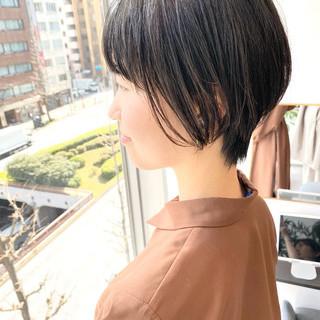 オフィス ゆるふわ ショート ナチュラル ヘアスタイルや髪型の写真・画像
