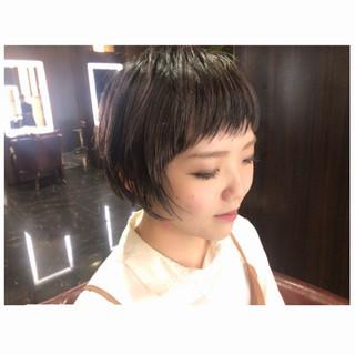 暗髪 ショート ショートバング 大人かわいい ヘアスタイルや髪型の写真・画像