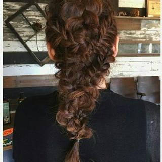 外国人風 ヘアアレンジ ナチュラル ショート ヘアスタイルや髪型の写真・画像 ヘアスタイルや髪型の写真・画像
