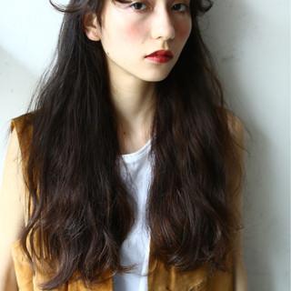 ロング アッシュ 前髪あり ウェーブ ヘアスタイルや髪型の写真・画像