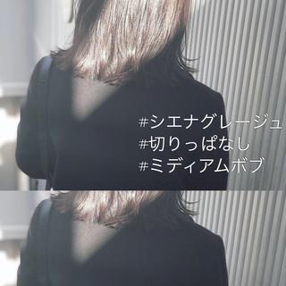 アッシュ 前髪 アンニュイほつれヘア ナチュラル ヘアスタイルや髪型の写真・画像