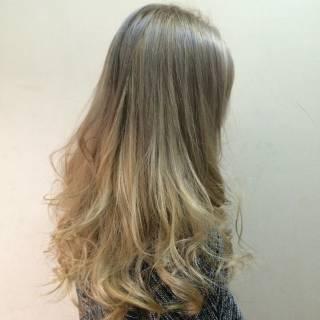 渋谷系 グラデーションカラー ベージュ ガーリー ヘアスタイルや髪型の写真・画像