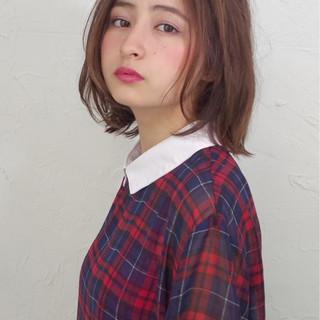 ナチュラル 外国人風 大人かわいい ストレート ヘアスタイルや髪型の写真・画像 ヘアスタイルや髪型の写真・画像