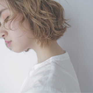 モード ナチュラル ハイトーン パーマ ヘアスタイルや髪型の写真・画像