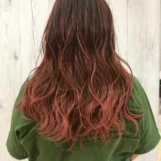 グラデーションカラー ロング ピンク レッド ヘアスタイルや髪型の写真・画像 ヘアスタイルや髪型の写真・画像