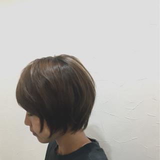 大人かわいい アッシュ ショート グレージュ ヘアスタイルや髪型の写真・画像