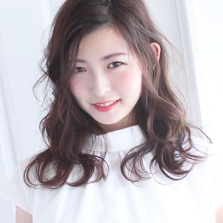 簡単ヘアアレンジ ラベンダーアッシュ デート 外国人風 ヘアスタイルや髪型の写真・画像