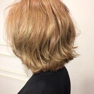 透明感 大人かわいい ショート ハイトーン ヘアスタイルや髪型の写真・画像 ヘアスタイルや髪型の写真・画像