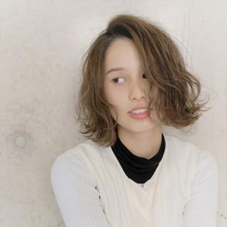 大人かわいい 色気 無造作 パーマ ヘアスタイルや髪型の写真・画像