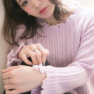 アンニュイ ゆるふわ ミディアム フェミニン ヘアスタイルや髪型の写真・画像