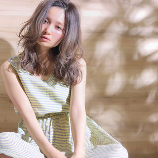 抜け感 外国人風 ゆるふわ ブラウン ヘアスタイルや髪型の写真・画像