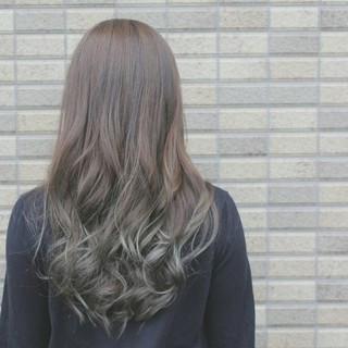 グラデーションカラー 渋谷系 暗髪 外国人風 ヘアスタイルや髪型の写真・画像