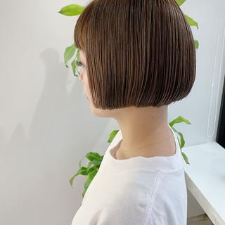 ボブ ミニボブ ベージュ 外国人風 ヘアスタイルや髪型の写真・画像