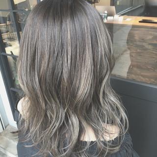 アンニュイ ミディアム 外国人風カラー ナチュラル ヘアスタイルや髪型の写真・画像
