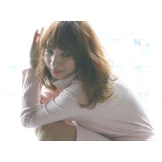 フェミニン セミロング 外国人風 アッシュ ヘアスタイルや髪型の写真・画像