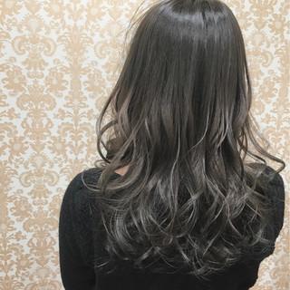 グラデーションカラー 透明感 ロング ゆるふわ ヘアスタイルや髪型の写真・画像