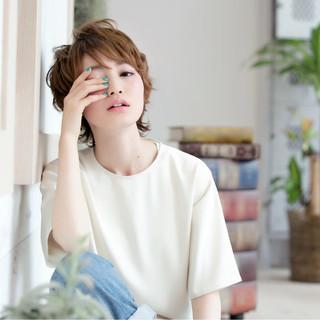 ショート 外国人風カラー 外ハネ ガーリー ヘアスタイルや髪型の写真・画像