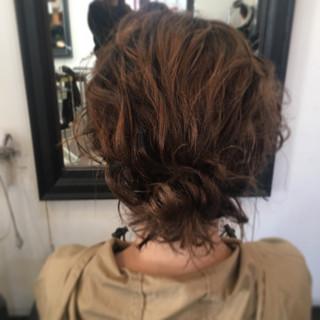 フェミニン ふわふわヘアアレンジ ボブ 切りっぱなしボブ ヘアスタイルや髪型の写真・画像